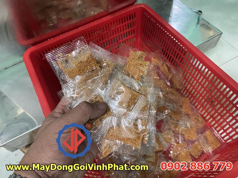 Máy đóng gói 2 trong 1 chạy cho muối tôm bánh tráng trộn
