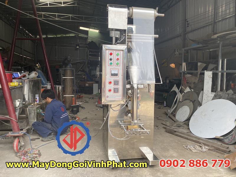 Máy đóng gói cà phê hòa tan, máy đóng túi đường que do công ty Vĩnh Phát chế tạo